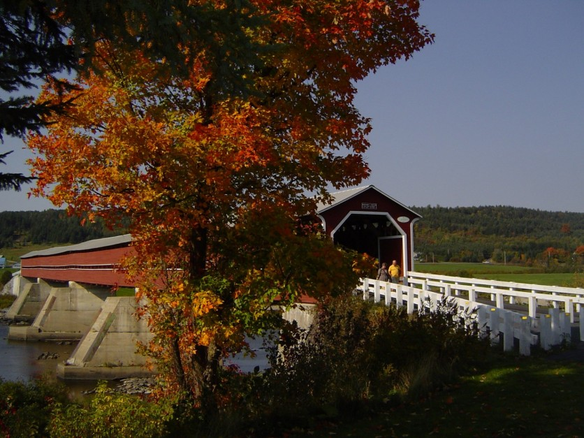Notre-Dame-des-Pins covered bridge