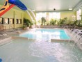 Days Inn Lévis - Days Inn Lévis - Saint-Nicolas - Pool, spa and sauna
