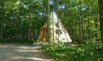 All comfort glamping in a tipi or a yurt